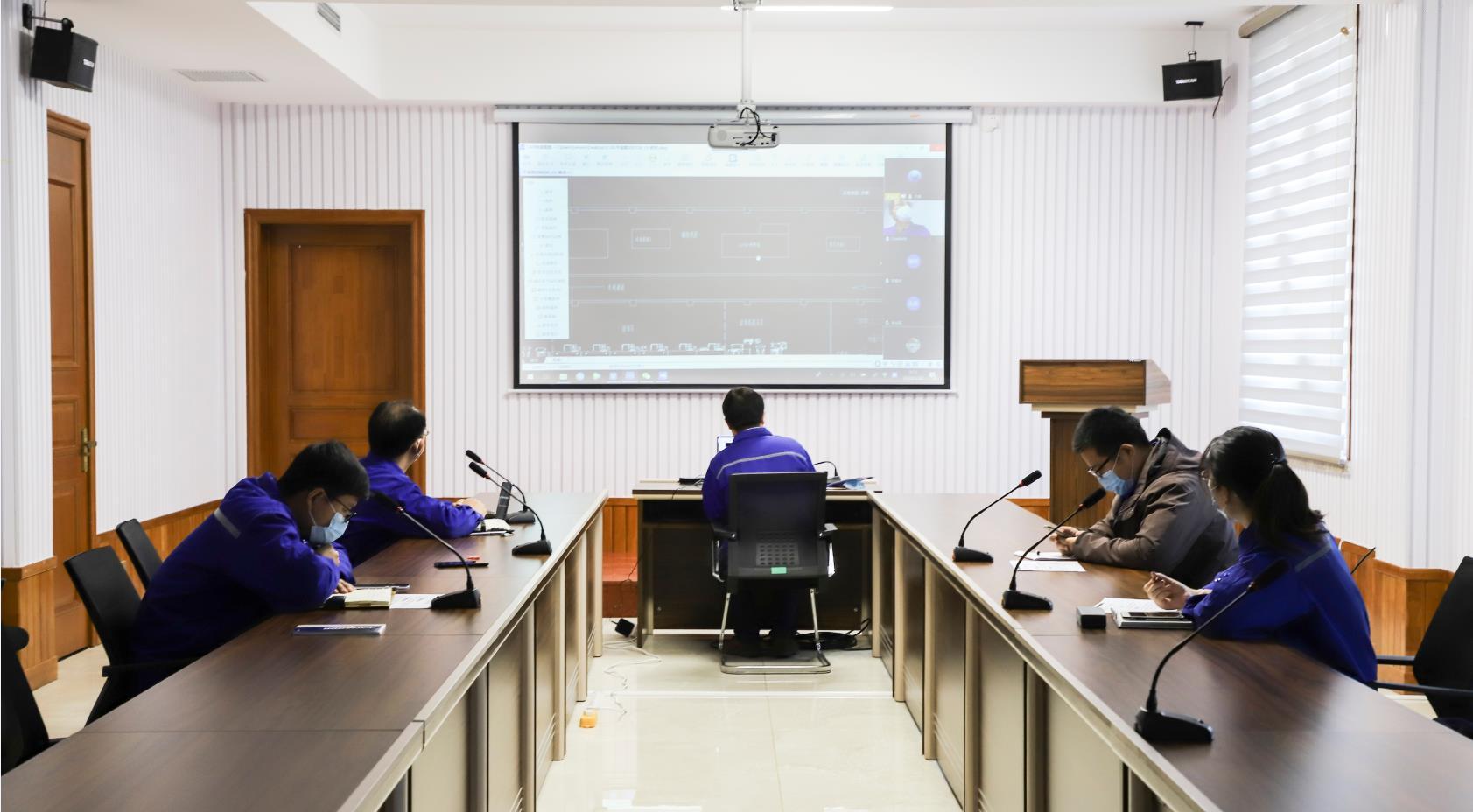 我公司与力神特电召开生产车间工艺布局交流讨论视频会议63